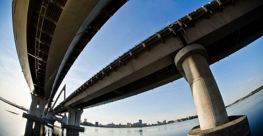 вид из под моста
